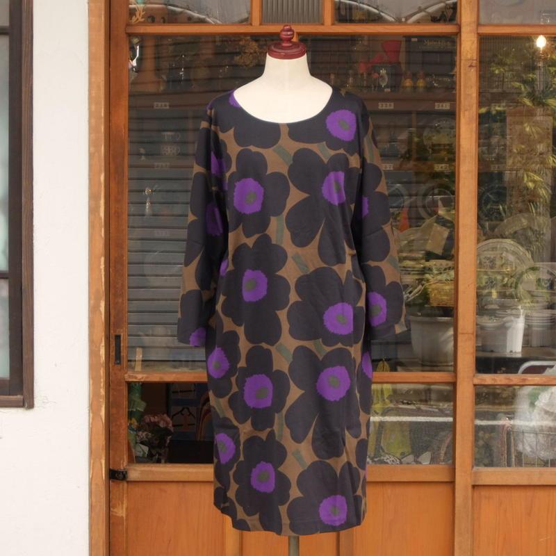 マリメッコ marimekko <Pieni Unikko>七分袖ワンピース(ブラウン)大きなサイズ