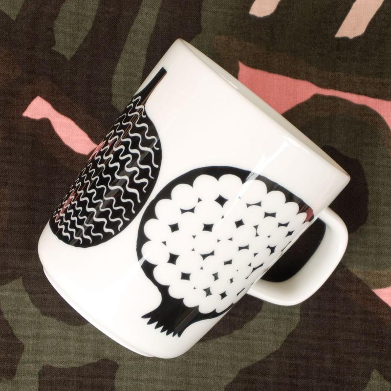 マリメッコ marimekko <Kompotti>マグカップ(ホワイト×ブラック)