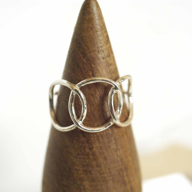 motif ring 4