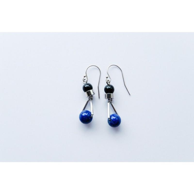 """PARTICLE"" EARRINGS  -  LAPIS LAZULI x ONYX"