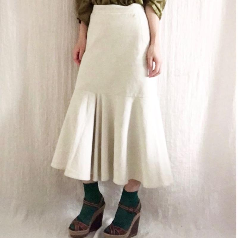 BOUTIQUE stretch corduroy skirt /OFF WHITE