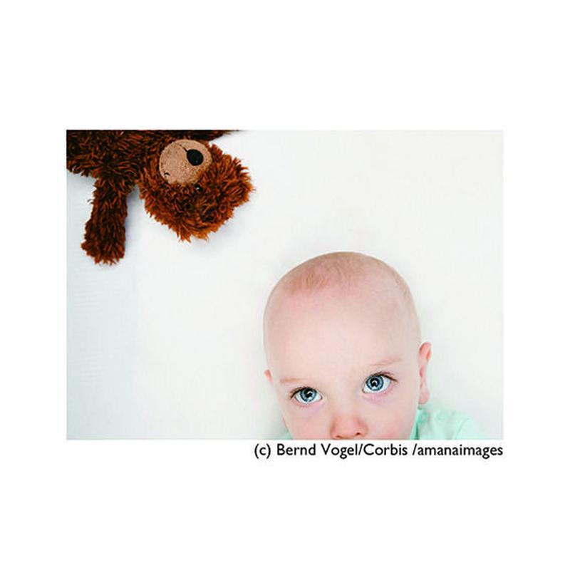 まとめ買いで【20%OFF】お得な『5枚』セット!!!      ポストカード【Baby in crib with teddy bear】