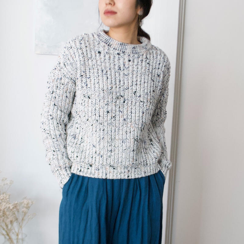 stone chocolate sweater(white)