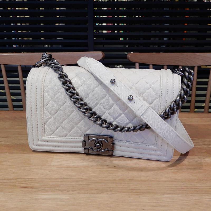 超美品 シャネル ボーイシャネル キャビアスキン ホワイト 白 25 ショルダー