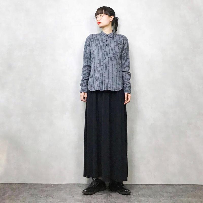 ATRIUMIMI black henley neck shirt
