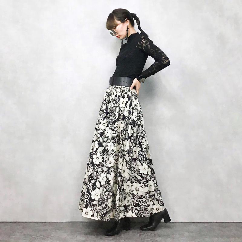 Black×White Flower maxi skirt