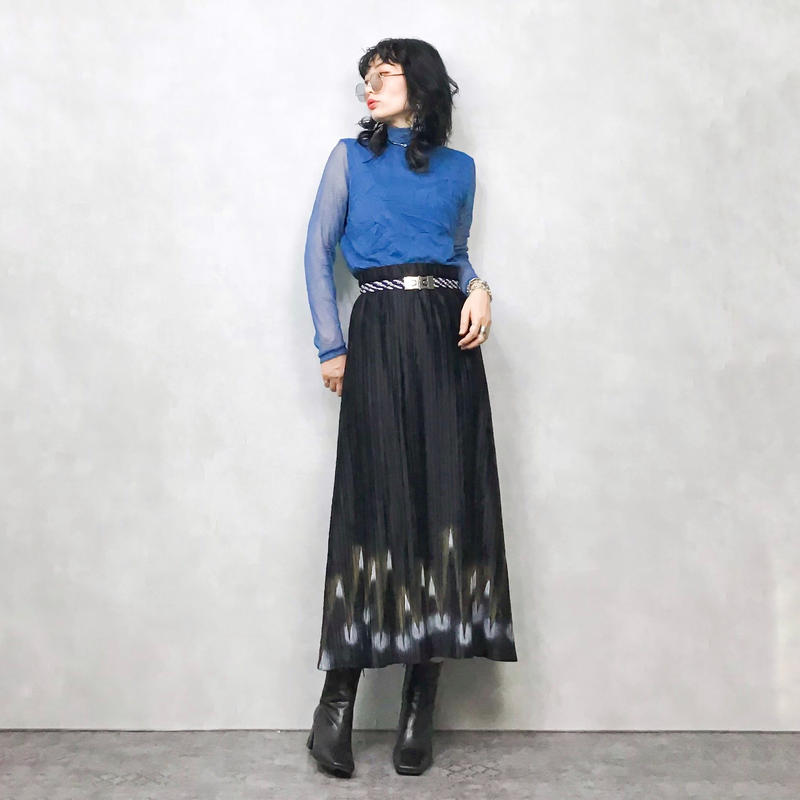 Paint  pleats black long skirt