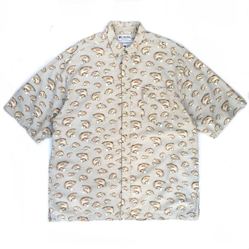Columbia / S/S B.D. Fishing Shirt  /  Lt Beige / Used