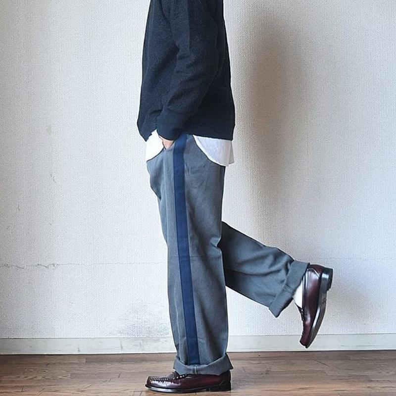 【サイズ揃いました!】 デッドストック チェコ軍 正装用スラックス【大人が穿けるラインパンツ】