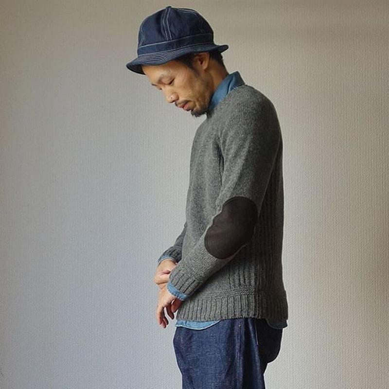 【日本発のウールセーター!】SOGLIA  LANDNOAH SWEATER  ソリア ラドナーエルボーパッチ クルーセーター 杢グレー/カーキ