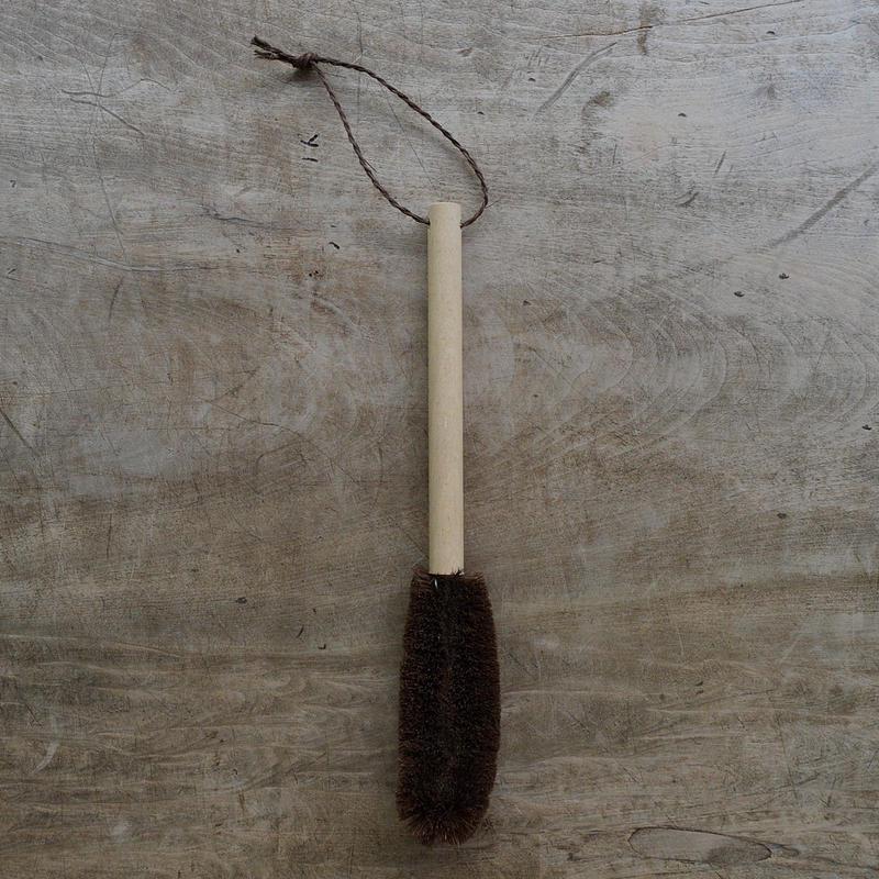 柄つき棕櫚束子(細長・水筒)