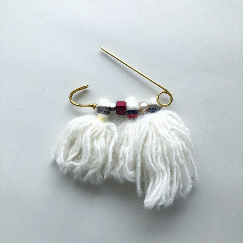 -NEW- quilt pin with tassel [white A/B/C]