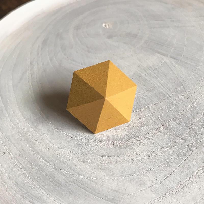 六角形ピアス(パイナップルイエロー)