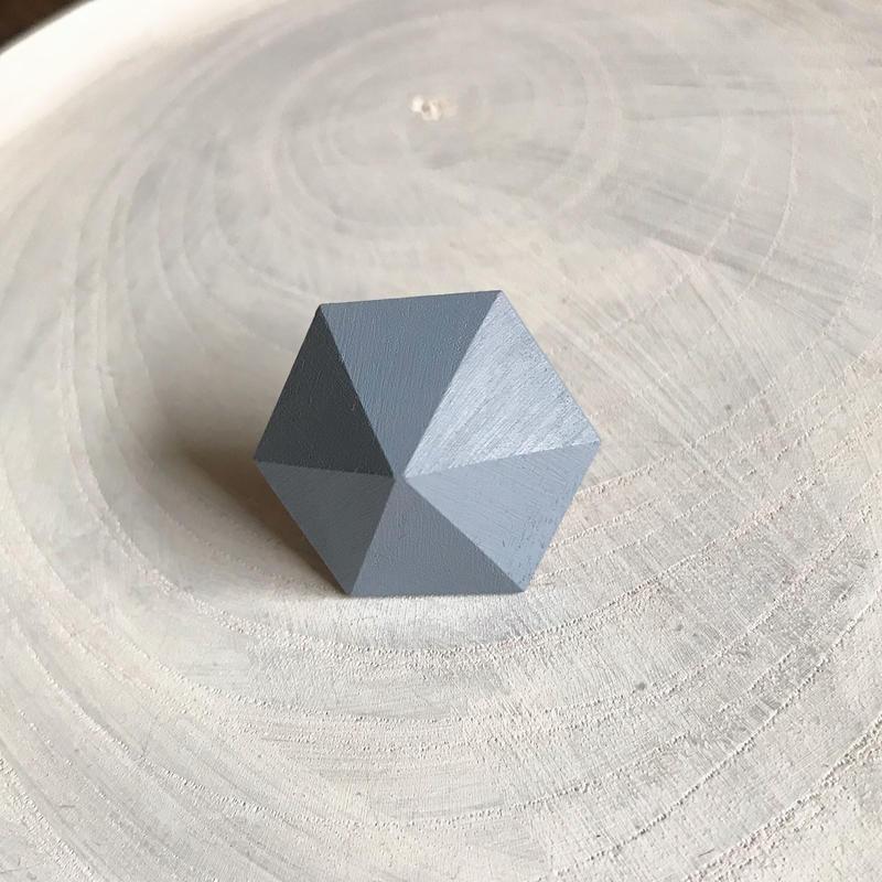 六角形イヤリング(スモークブルー)