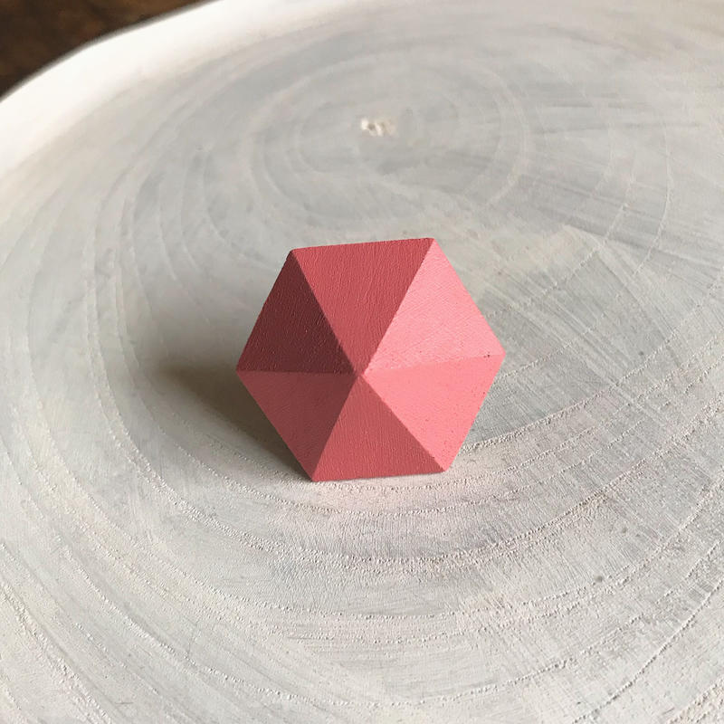六角形ピアス(キューピッドピンク)