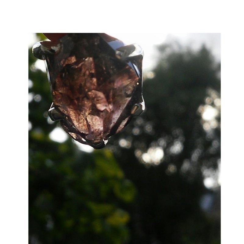 オランダ・デンハーグの白鳥の棲む森にてフルチャージ☆賢者の石 (アメジストカコクセナイト・スーパーセブン)