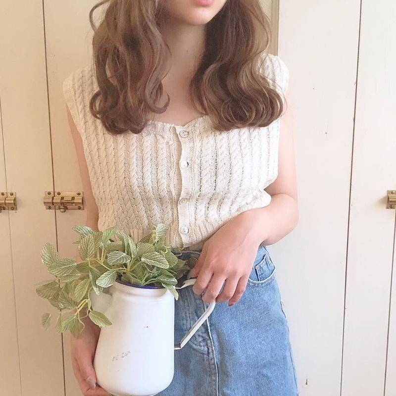 summer knit front button no sleeve (white)