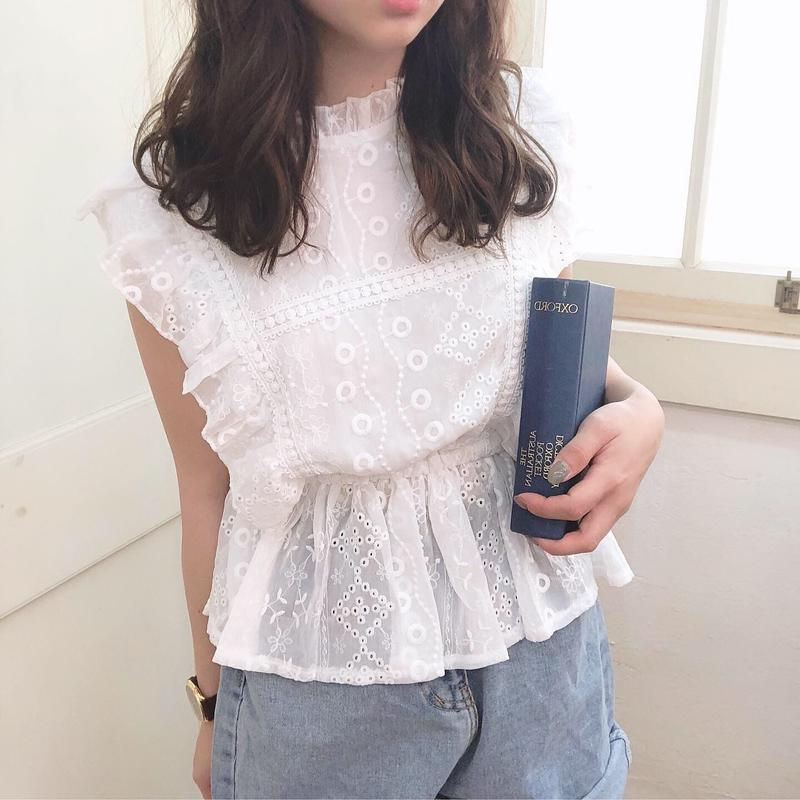 lace frill heroine blouse