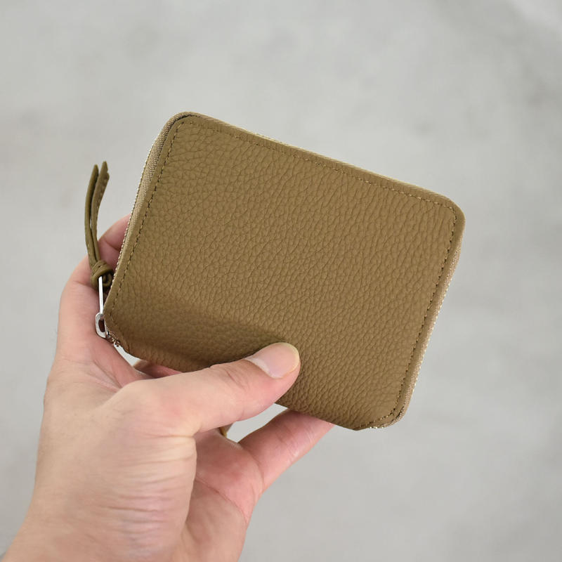 ERA. / BUBBLE CALF ROUND PLAM WALLET / col.トープ