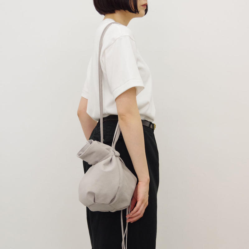 ERA. / M.S BALLOON SAC MEDIUM / col.グレー