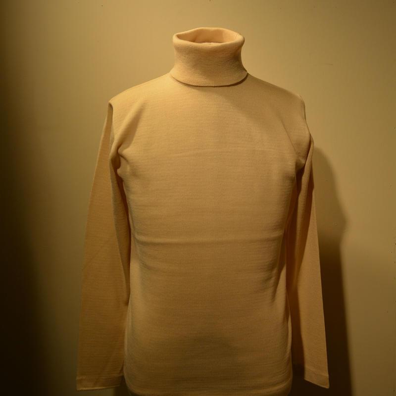 boncoura タートルネックセーター オフホワイト
