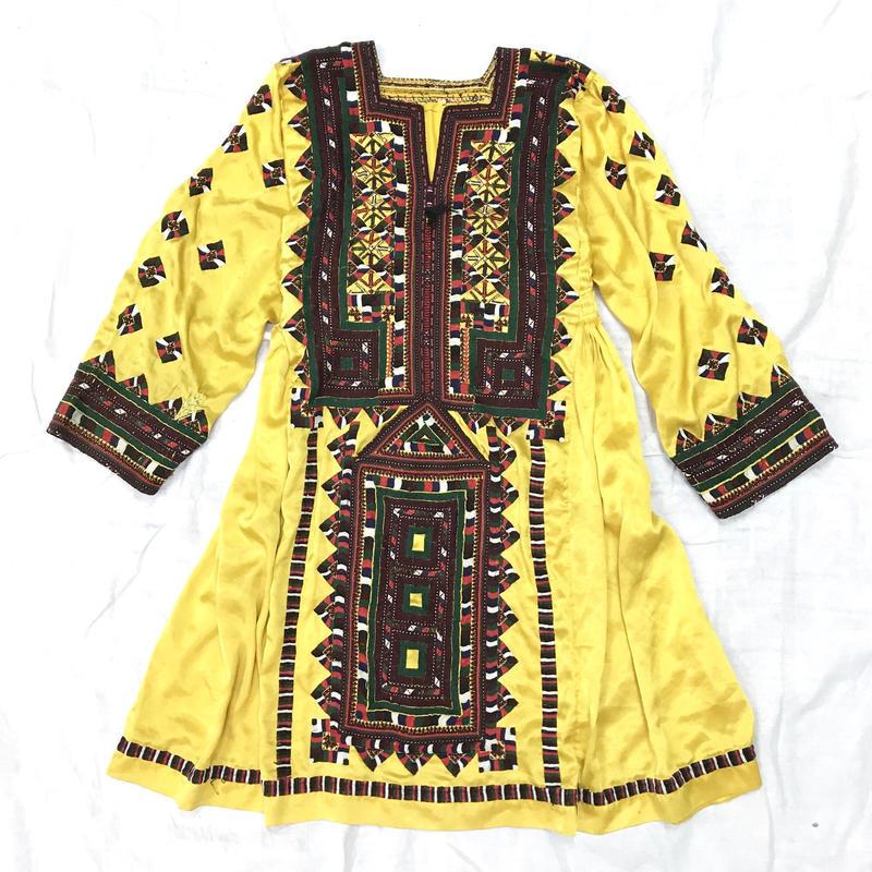 パキスタンヴィンテージバロチ刺繍ドレス(YELLOW)[7005]