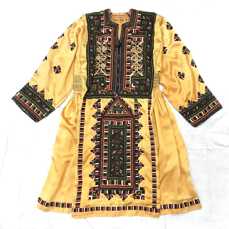 パキスタンヴィンテージ バロチ刺繍ドレス(ORANGE)[7003]