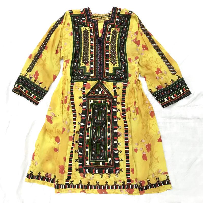 パキスタンヴィンテージ お花柄バロチ刺繍ドレス(YELLOW)[7004]