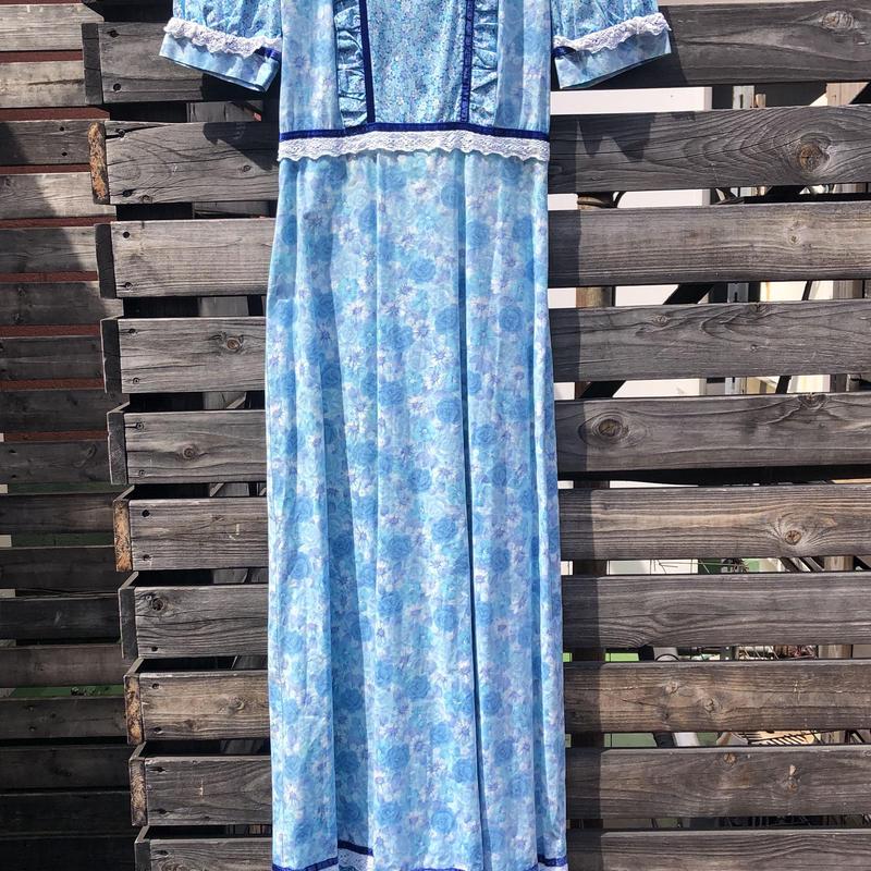 1970's blue dress floral print