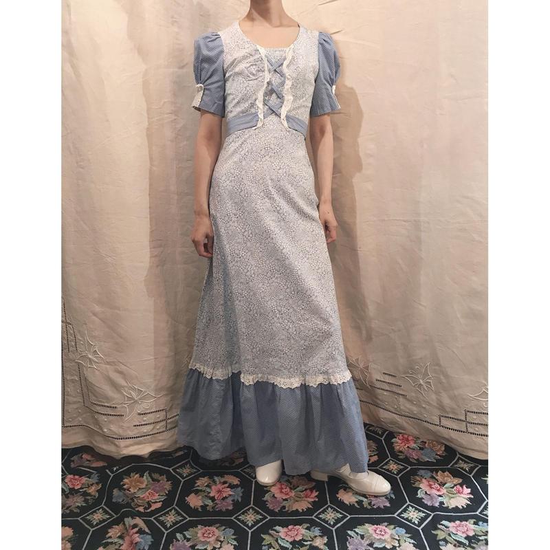 1970s maxi floral dress