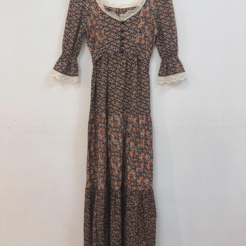 1970's floral print lacy neck maxi dress