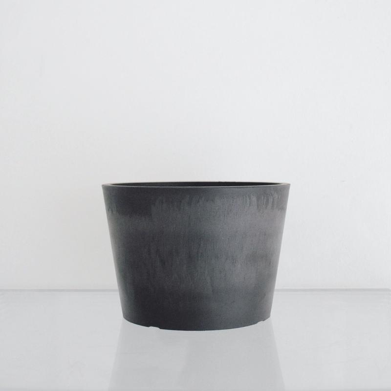 plastic pot Wide / Black