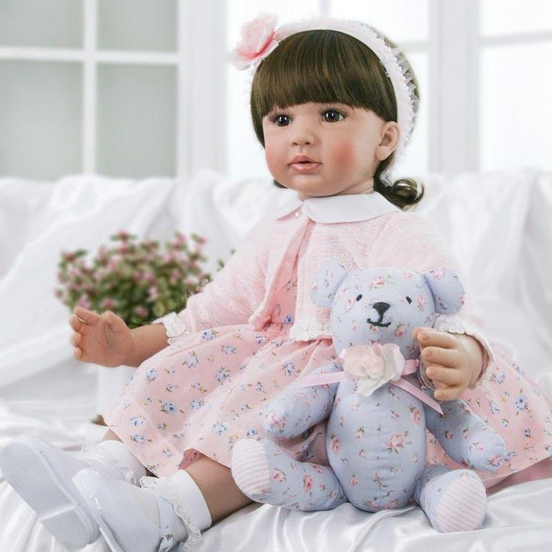 リボーンドール プリンセスドール トドラードール 抱き人形 赤ちゃん人形 ベビードール ハンドメイド リアル 高級 服 衣装付き 上品 聡明 お嬢様 クマのぬいぐるみと一緒に
