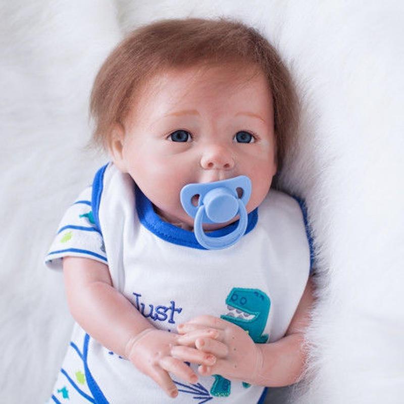 リボーンドール リアル赤ちゃん人形 本物そっくり かわいいベビー人形 ハンドメイド海外ドール 衣装付き ブルーアイ 小さめ あどけない男の子 本物みたいな乳児ちゃん