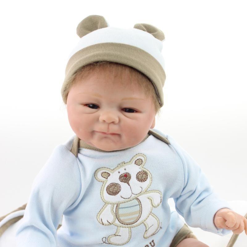 リボーンドール 赤ちゃん人形 ベビー人形 ベビードール 海外ドール リアル ハンドメイド 高級 服 衣装付き かわいい おむつタイム♪元気な男の子 新生児 乳児ちゃん