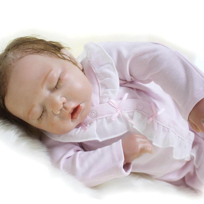 リボーンドール リアル赤ちゃん人形 本物そっくり かわいいベビー人形 ハンドメイド海外ドール 衣装付き クローズアイ お口を開けておねんね すやすや 女の子 本物みたいな乳児ちゃん