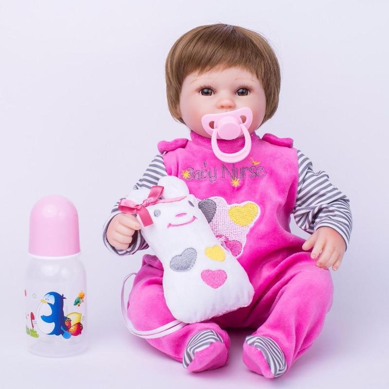 リボーンドール リアル赤ちゃん人形 小さめ40cm かわいいベビー人形 ハンドメイド海外ドール 衣装とおしゃぶり・哺乳瓶付き ブラウンのぱっちりお目目 ショートカットの女の子 お世話セット