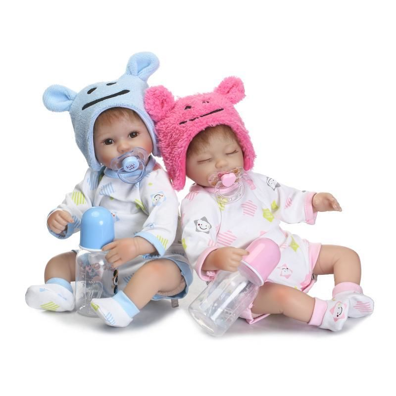 リボーンドール リアル赤ちゃん人形 小さめ40cm かわいいベビー人形 ハンドメイド海外ドール 衣装とおしゃぶり・哺乳瓶付き クマ耳帽子の新生児ちゃん 男の子or女の子 お世話セット