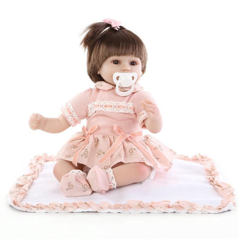 リボーンドール リアル赤ちゃん人形 小さめ40cm かわいいベビー人形 ハンドメイド海外ドール 衣装とおしゃぶり・哺乳瓶付き 一つ結び ピンクワンピースの乳児ちゃん 女の子