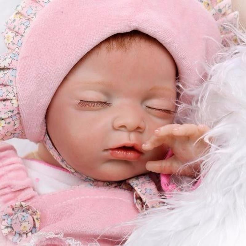 リボーンドール リアル赤ちゃん人形 本物そっくり かわいいベビー人形 ハンドメイド海外ドール 衣装とおしゃぶり付き ぐっすりすやすや 新生児ちゃん かわいい女の子