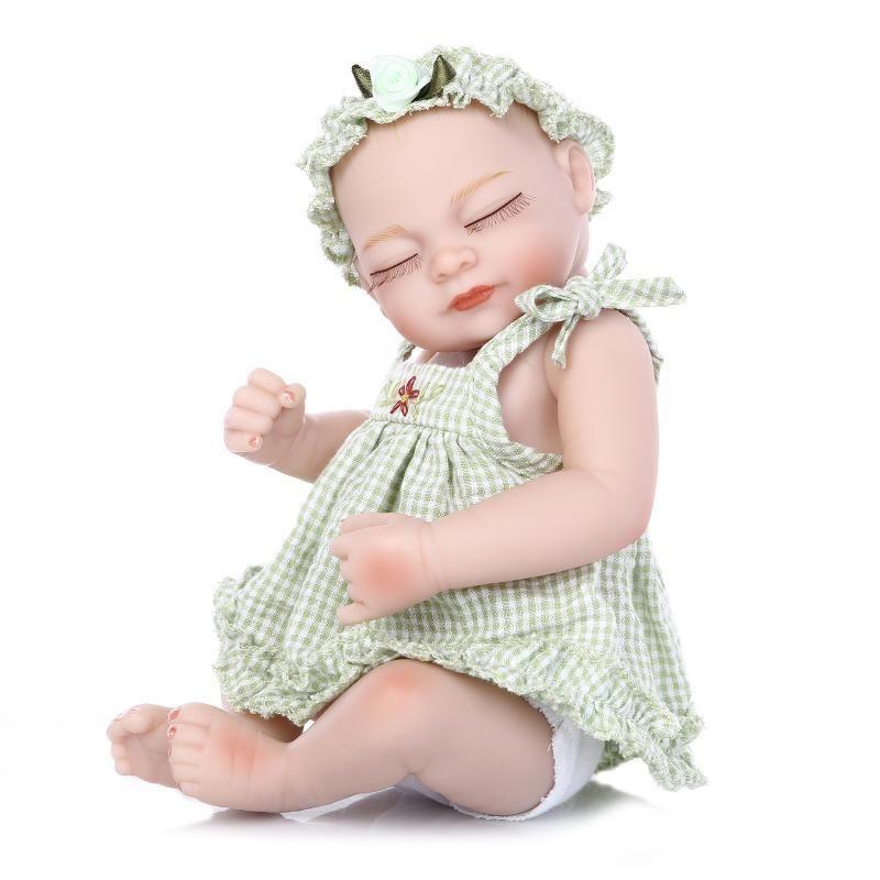 リボーンドール フルシリコンビニール リアル赤ちゃん人形 ミニサイズ25cm 入浴可能 かわいいベビー人形 女の子 新生児 ギンガムチェックのお洋服