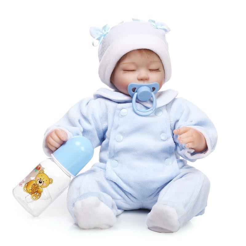 リボーンドール リアル赤ちゃん人形 小さめ40cm かわいいベビー人形 ハンドメイド海外ドール 衣装とおしゃぶり・哺乳瓶付き ブルーのベビー服の乳児ちゃん
