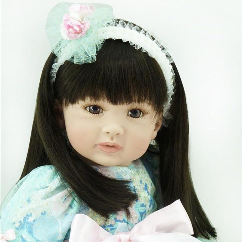 リボーンドール プリンセスドール トドラードール お嬢様 女の子 抱き人形 赤ちゃん人形 ベビードール ハンドメイド リアル 高級 服 衣装付き かわいい シャープな黒髪 お姫様風グリーンのドレス