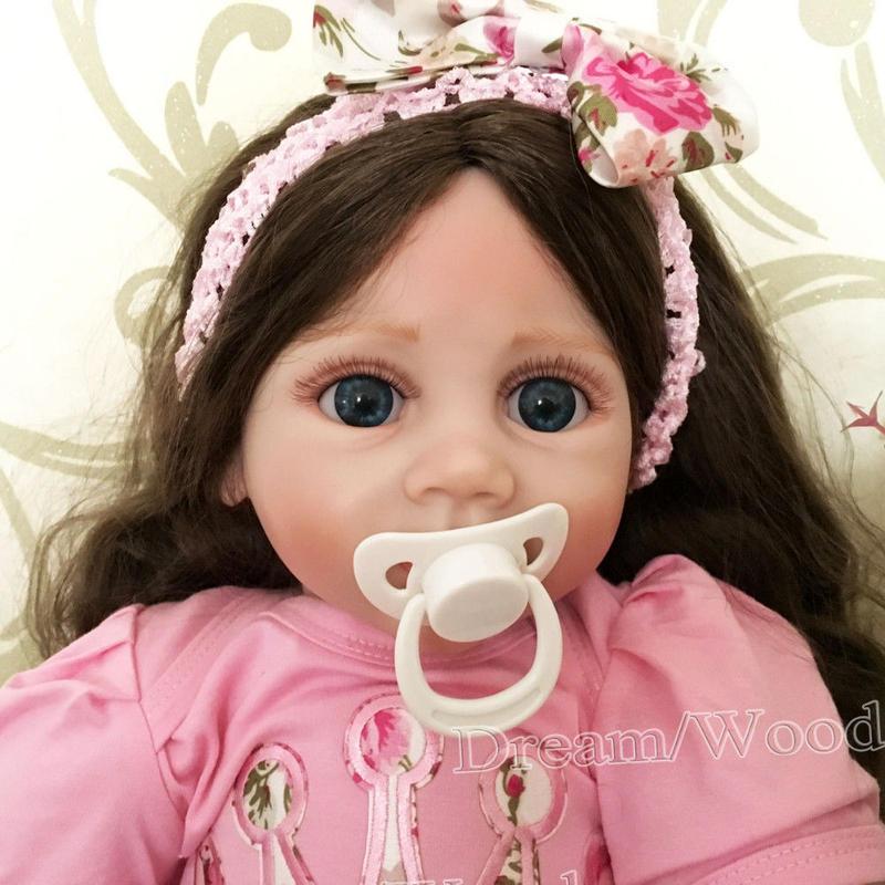 トドラー人形 プリンセスドール リボーンドール 抱き人形 約60cm 海外製ハンドメイド かわいい幼児ちゃん 衣装付き ダークブラウンのウェーブロングヘア ブルーアイ 元気な女の子