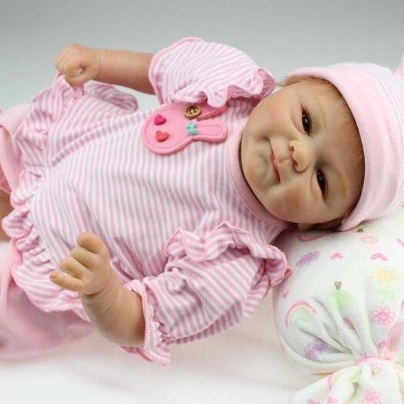リボーンドール 赤ちゃん人形 ピンクのウサギ服 ベビー人形 ベビードール 海外ドール リアル ハンドメイド 高級 服 衣装・小物付き かわいい ミルクタイム♪ 女の子 新生児 乳児 おめざめおはよう