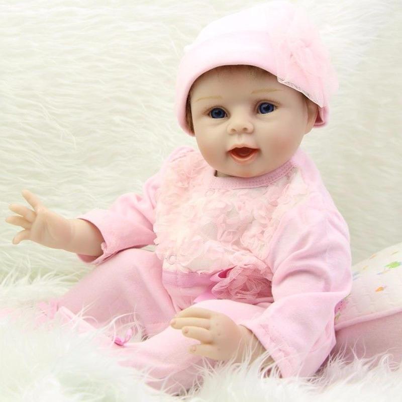 リボーンドール リアル赤ちゃん人形 本物そっくり かわいいベビー人形 ハンドメイド海外ドール 衣装と哺乳瓶・おしゃぶり付き ブルーorブラウンアイ はつらつ元気 ぱっちり目のかわいい女の子