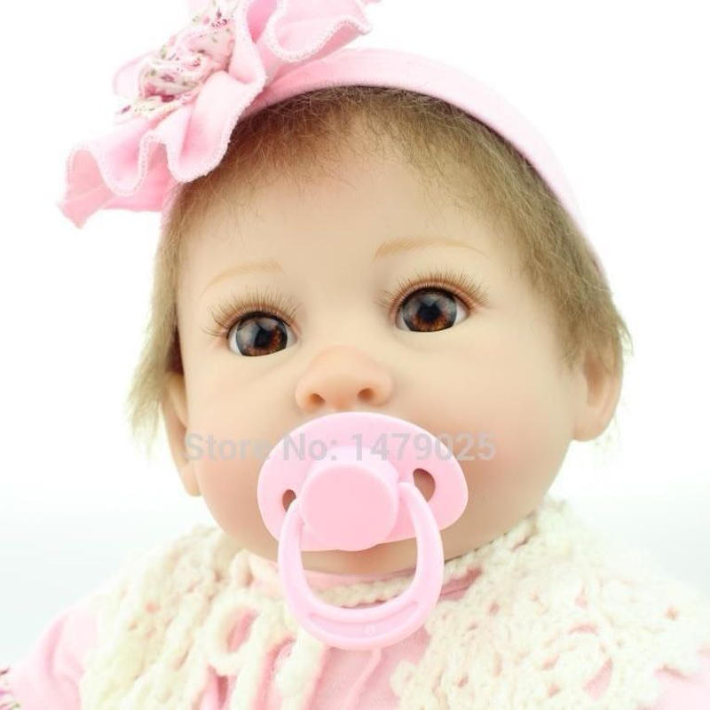 リボーンドール リアル赤ちゃん人形 本物そっくり かわいいベビー人形 ハンドメイド海外ドール 衣装と哺乳瓶・おしゃぶり付き ブルーorブラウンアイ まあるいお目目優しい笑顔 かわいい女の子