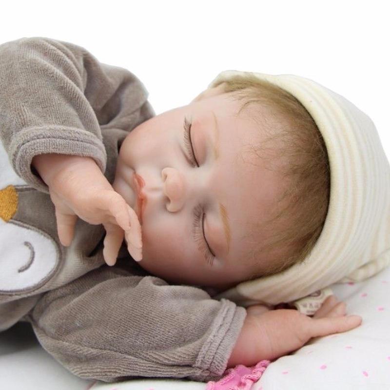 リボーンドール リアル赤ちゃん人形 本物そっくり かわいいベビー人形 ハンドメイド海外ドール 衣装と哺乳瓶・おしゃぶり付き クローズアイ ぐっすり熟睡中 本物みたいな男の子
