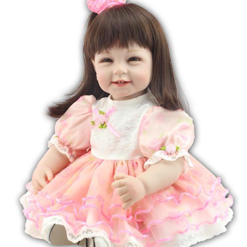 トドラー人形 プリンセスドール リボーンドール 抱き人形 高級ハンドメイド海外ドール かわいい幼児ちゃん人形 衣装付き セミロングヘア 上品 聡明 素敵な笑顔の女の子