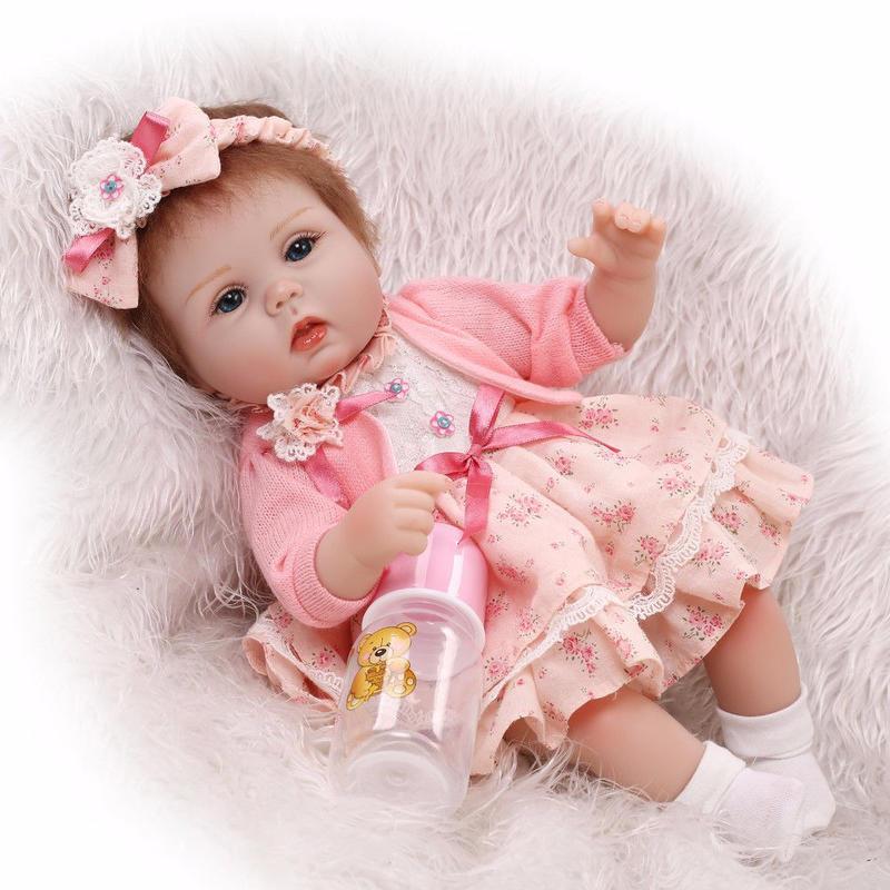リボーンドール リアル赤ちゃん人形 小さめ40cm かわいいベビー人形 ハンドメイド海外ドール 衣装とおしゃぶり・哺乳瓶付き おめかしドレスの女の子 新生児ちゃん